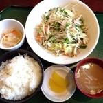 大新食堂 - 野菜炒め定食 500円