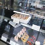 銀座近江屋洋菓子店 - 8個入りシュークリームを、6個入りに詰め直していただきました。