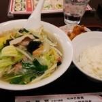 25656868 - 野菜タンメン・ライス唐揚げセット