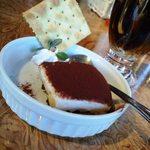 アンジェロ ピノ - ランチセット¥1000(Tax5%)デザート(ティラミス)+冷珈琲
