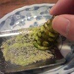 そば家 一創庵 - 生山葵をすります