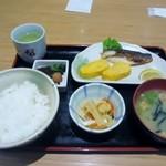 25677585 - 注文した朝食メニューのさば定食は530円です。
