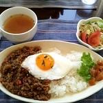 しいの実 - 料理写真:ドライカレー @950円