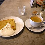 fusia cafe - スパイスシフォンケーキ+コーヒー(ケーキセット)