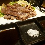 神戸牛炉窯焼ステーキ 雪月風花 北野坂 - 塩とポン酢とタレで・・