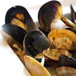 お肉とワイン 関内ビストロ ZIP - 3時間30分コース アサリとムール貝のワイン蒸し