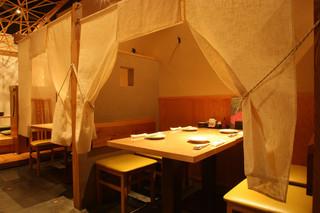 串焼き・魚 新宿宮川 - 2~4名様のテーブル個室。
