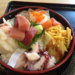 たらく - 2014.04.01 海鮮丼 700円