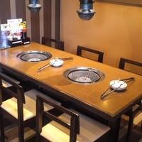 テーブル席(6名席)