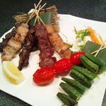 おまかせ串7本盛り(とり串・ぶた串より5本・野菜串より2本)