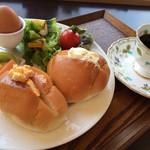 カインズ カフェ - モーニングBセット \500