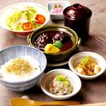 豆まる - ランチ■鶏つくねの京桜みそ煮込み膳