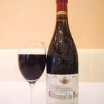 レストラン マリー - シェフオススメの一品。厳選したワインだけをご用意。