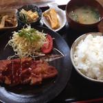 余韻 - 料理写真:トンカツ定食¥780+ご飯大盛り¥50