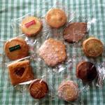 25722548 - 桜型クッキーと10種類のなかまたち♪