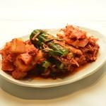 マンナ - 自家製のキムチは、辛さの中に程良い酸味が美味しい一品です。美容健康にも良し!