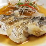 香港楼 - 魚の醤油蒸し