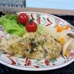 やずや 皆友亭 - メインのおかず白身魚のハーブパン粉焼きでした。