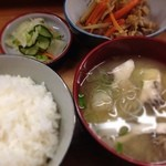 とんかつ 安右衛門 - ウドのキンピラと定食セット
