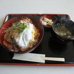ビーフビレッヂ区界 - 味噌カツ丼