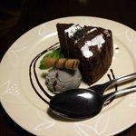 パイナップル畑 - ケーキとアイスクリーム