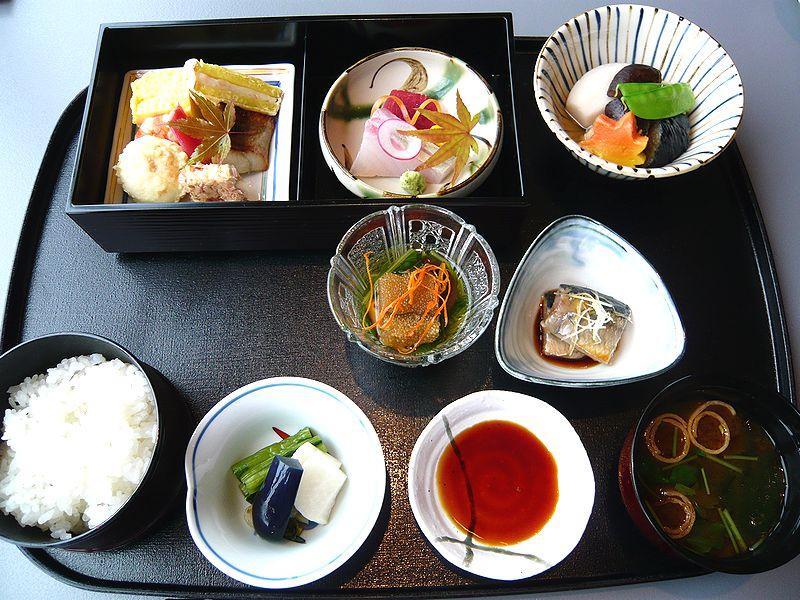 日本料理 羽衣