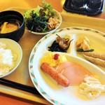 ホテルルートイン - 料理写真:無料の朝食
