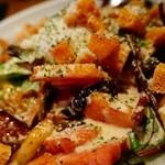 鉄板焼肉 鑠鑠 - 具沢山のシーザーサラダ!