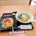 楽口福 - ラーメンセット680円。