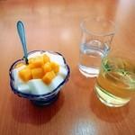 楽口福 - 追加杏仁豆腐380円。