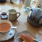 午前10時午後3時 - ニルギリウインターフラッシュ。このお店では珍しくティーカップ向け。ティーポットで注文すると・・・あなたの紅茶飲み度を測れます。