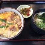 賀茂川 - 親子丼+ミニうどん(750円)