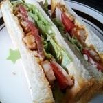25808756 - 照り焼きチキンのサンドイッチ