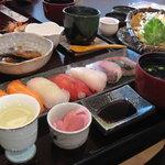 浜商 - おさかな工房 浜商の浜鮨の旬の七貫にぎり膳です。豪華です。