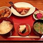 四季音 - 四季音定食1000円