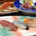 25824825 - 寿司と刺身と蟹。