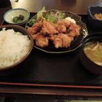 桃源郷 - ランチの唐揚げ定食