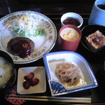 ダイニングカフェまき - ランチ 690円