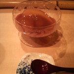 啐啄 つか本 - 林檎のコンポートと葡萄・葡萄のジュレかけ