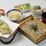 やじろべえ - 〈ランチ〉季節の炊込みご飯と天ざるそばランチ 1,080円