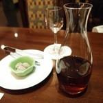 中国料理・琉球中華 琉華邦 - 紹興酒に干し梅。