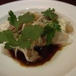 中国料理・琉球中華 琉華邦 - 近海魚と島豆腐の蒸し物 ナンプラー風味。