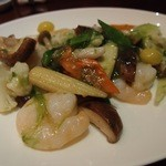 中国料理・琉球中華 琉華邦 - 海老とアーサの久米島産塩炒め。