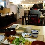 ごはんカフェ - 二種のおかずのサービス膳(ごはんお替り自由) 1320円