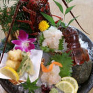 紀州・串本を始め、全国の漁港より朝獲れ魚介を毎日直送!