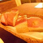 Bistro Musui - あったかい2種類のパン