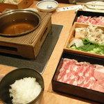 黒豚料理 寿庵 荒田本店 - 塩しゃぶしゃぶ