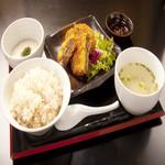 牛タンメンチカツ定食