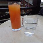 25852940 - ドリンクバイキングのグレープフルーツジュース(果汁100%ですね)