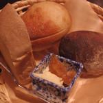 カフェ椿  - パンランチのパン@2014.4